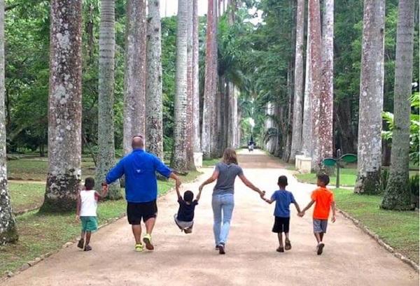 24 Padres EEUU Niños Brasil 10