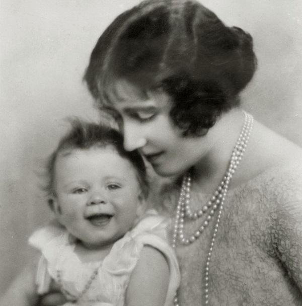 2 Fotos Reina Isabel 1