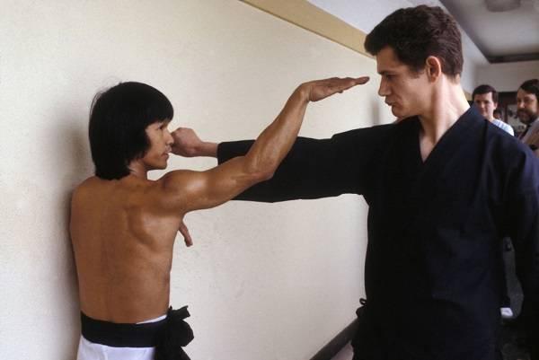 02 Bruce Lee 9