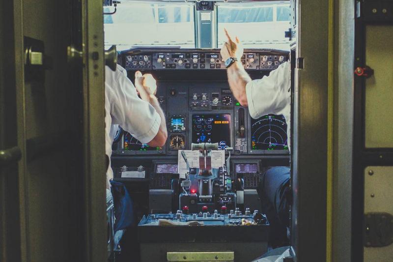 ava-cabin-airplane-doors-open