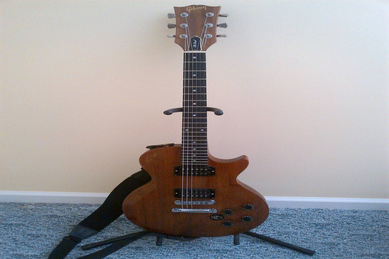 aiu_Gibson_the_Paul_Electric_Guitar