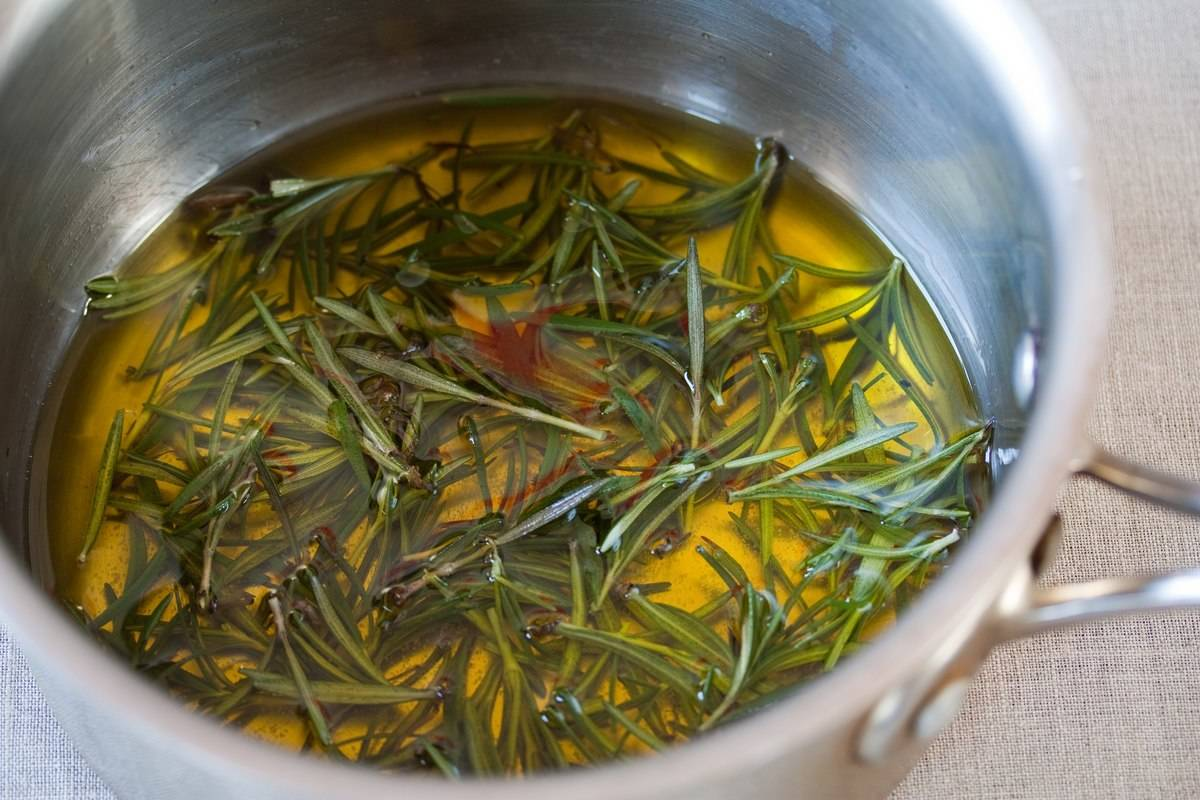 Olive_Oil_Infused_Rosemary_(5551701707)